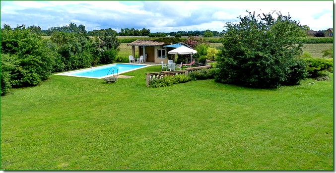 Donnez du style votre jardin en installant une piscine for Piscine et jardin touquet
