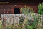 Ça fait des années qu'on endure la clôture défraîchie du voisin, quoi faire?